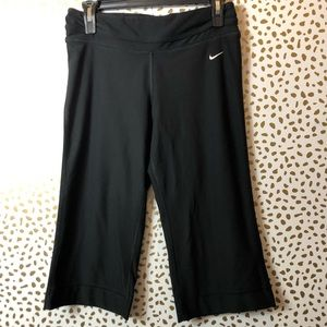 NIKE Dri-fit Capri YOGA pants SZ S
